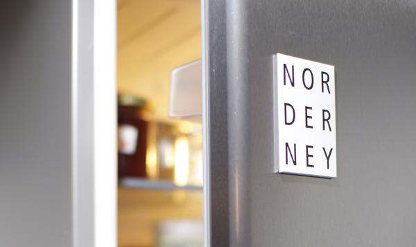 Kühlschrankmagnet : Nur wenige reihen von kühlschrankmagnet souvenirs aus bulgarien